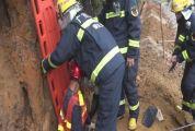 山体滑坡工人被埋 封开消防紧急救援
