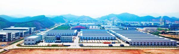 """德庆县落实""""园区建设年""""部署,工业园区持续提质增效。 徐向光 摄"""
