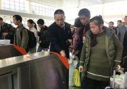 孟庆瑞:服务春运二十九载 勤劳工作不停歇