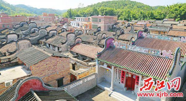 高要乐城镇思可村镬耳式封火山墙建筑群。 西江日报记者 杨永新 摄