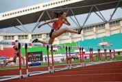 全国田径大奖赛展开第二天争夺 肇庆籍选手莫家蝶400米栏折桂