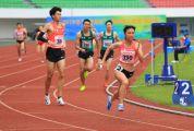 男女混合4×400米接力: 两肇庆籍女将助广东队夺银