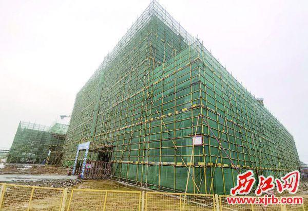 已经完成主体结构建设的科学园研发楼。 西江日报记者 刘亮 摄
