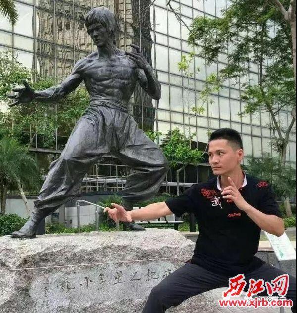 陈文勇习武20多年来,夏练三伏、冬练三九,练就一身武艺。通讯员供图