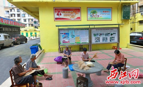 改造后的高要区南亭社区,居民在舒适的环境中惬意生活。       西江日报记者 朱健兴 摄