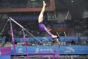 全国体操锦标赛进入第二日 各地女运动员群芳争艳