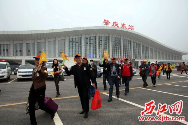 肇庆东站迎接八方来客。  西江日报记者 刘春林 摄