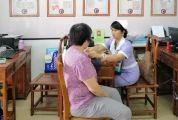 """肇庆有位美女护师,6年来,一直为街坊排除健康""""炸弹""""~"""