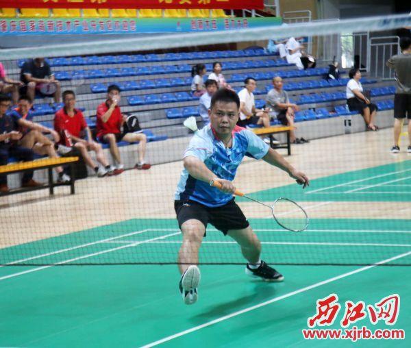 选手在比赛中。 西江日报通讯员 梁嘉欣 摄