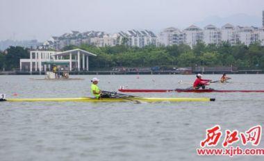 省青少年赛艇锦标赛在星湖挥桨开赛