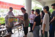 """鼎湖税务""""蓝朋友"""" 连续四年服务新生 志愿服务 税法宣传两不误"""