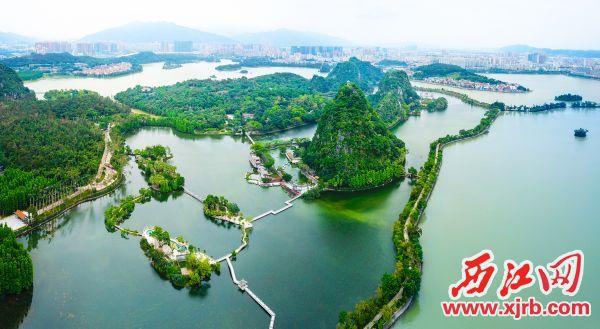 星湖的中心湖、波海湖、里湖、仙女湖水质均达到Ⅳ类以上标准。西江日报记者 梁小明 摄