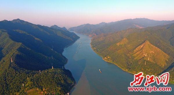 美丽的西江。 西江日报记者 刘春林 摄