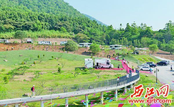 位于端州区石牌广场的中游国际房车营地。 西江日报记者 吴威豪 摄