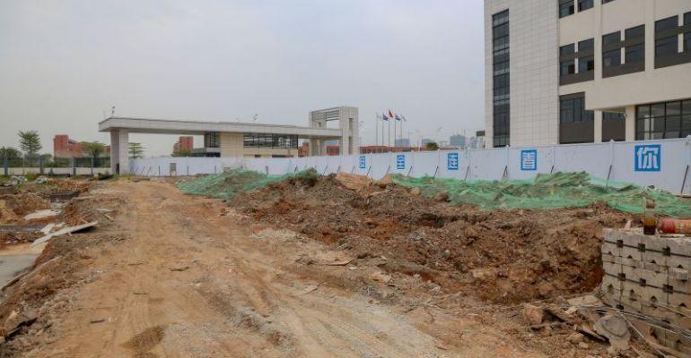 记者暗访肇庆高新区工地 多处工地项目扬尘管控不到位