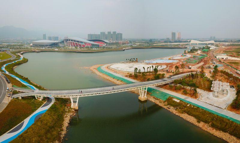 肇庆新区长利湖沙滩公园美景初现