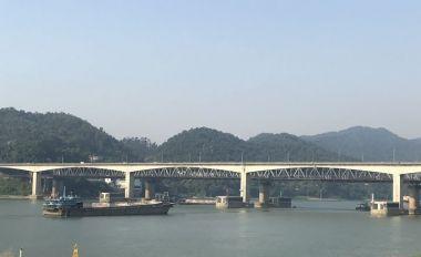 西江大橋:32載打通兩岸發展路