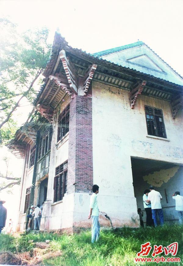重建前的民国时期披云楼图书馆。 受访者供图
