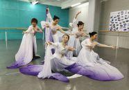 舞蹈《紫氣祥云》展示端硯文化