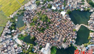 惊艳亮相:八卦造型的布院村和精美碉楼!