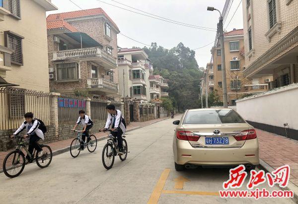 在高要象山花园一街,经过整治后小巷整洁有序。 西江日报记者 杨永新 摄