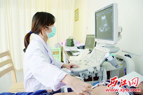 若发现乳房有硬块可到医院进行彩超检查。