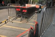超市购物车占用公共停车位
