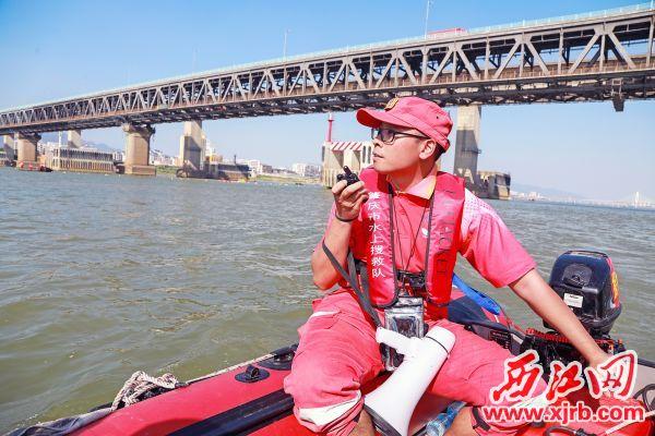 侯力宾在训练中。 西江日报记者 吴威豪 摄