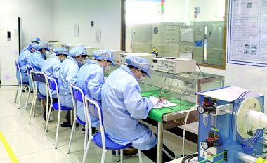 端州11家复工企业开足马力开工生产