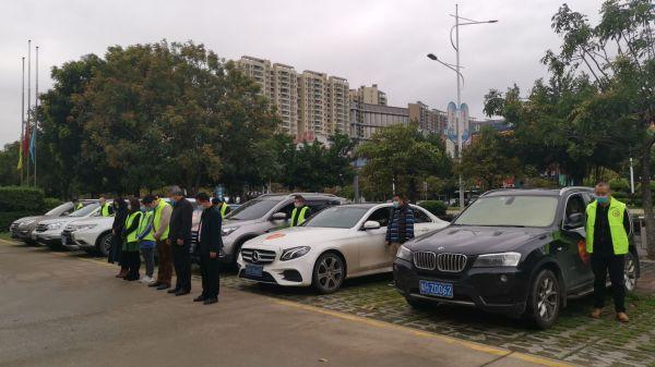 肇庆湖北商会举行哀悼活动。郝蕊 摄