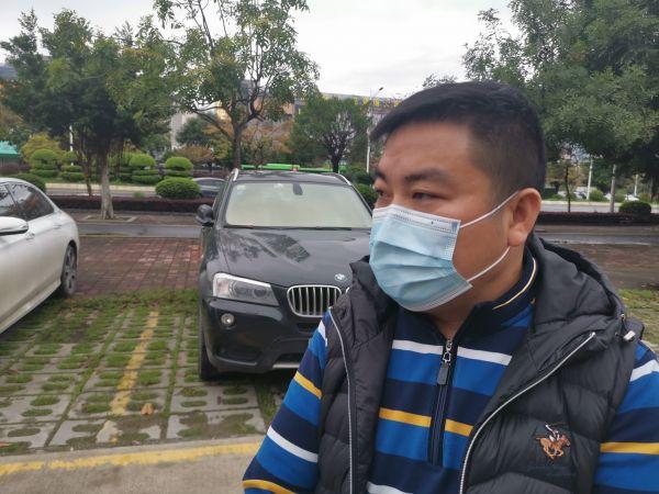 肇庆湖北商会会长程伯华接受采访