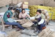 """整洁村子增加商铺,修建村道引进厂家 广宁湘下村这样拔""""穷根"""""""