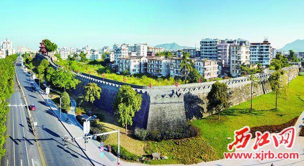 肇庆的宋城墙是兼军事防御和抵御洪水双重功能的古城墙。 西江日报记者 梁小明 摄