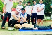 肇庆市红十字会应急救护培训中心讲师伍靖讲述防溺知识 遇见有人溺水如何科学施救