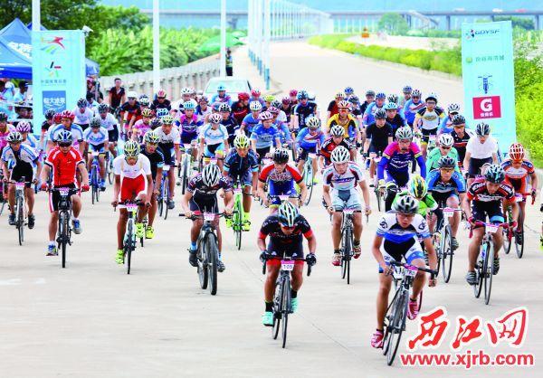 2016年8月17日,广东省青少年自行车锦标赛 在肇庆举行。 西江日报记者 梁小明 摄