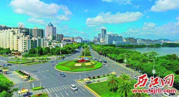 碧水蓝天下的文明和谐宜居城市肇庆。 西江日报记者 梁小明 摄