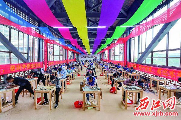 比赛吸引了来自全国各地参赛选手 参加。  西江日报记者 曹笑 摄