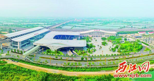 """肇庆东站迈入""""双枢纽""""发展时代。 西江日报记者 梁小明 摄"""