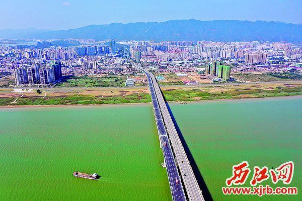 肇庆大桥扩建工程完成通车。 西江日报记者 刘春林 摄