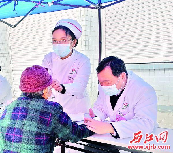 心脑血管疾病要按照医生方案合理防治。 西江日报记者 高静 摄