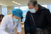 老人就医不会用智能手机怎么办?肇庆这家医院的做法很暖心……