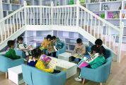 绘本阅读成幼儿教育新热点 幼教教师建议,依据年龄选择绘本,吸引孩子关注