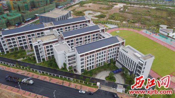 肇庆新区中心小学(肇庆鼎湖中心小学)将于今年9月全面投入使用