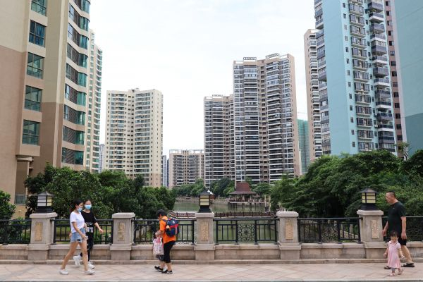 泰湖新城改造后环境宜人。西江日报记者高静摄