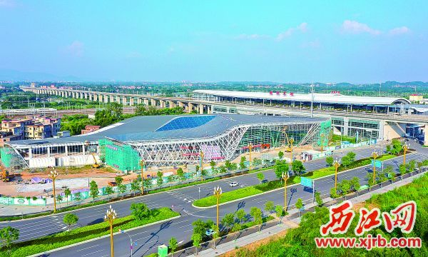客运站雏形初现。西江日报记者  梁小明  摄