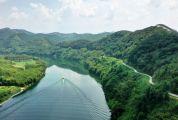 乘游船游览贺江碧道是怎样的一种体验?