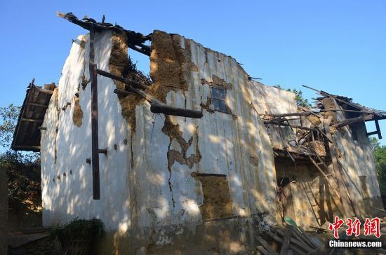 截至记者发稿时为止,已造成80人死亡.饶翔 摄-云南彝良地震已致图片